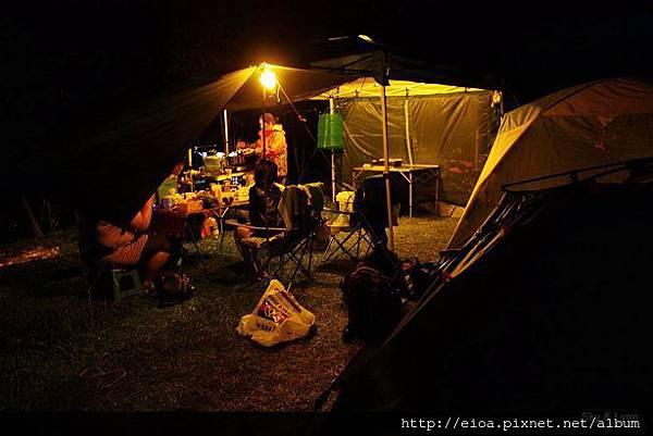2013-11-09-吻吻露營區-阿甘露營車隊009.jpg