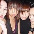 2004.11 扮鬼-左邊是壽星