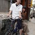 北埔-懷古側坐腳踏車