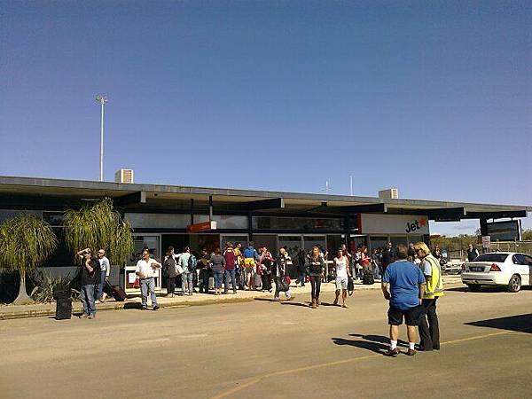 小不拉機的Proserpine機場