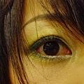 眼睛是配合春夏的綠眼妝
