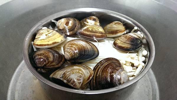 酒蒸蛤蜊拌冬粉