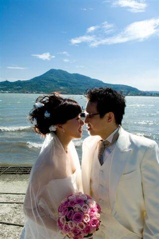 海水反射陽光,我們兩個人都呈現瞇瞇眼狀態...-_-