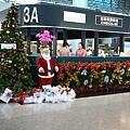 華航櫃檯的聖誕節裝飾