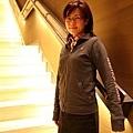 華航貴賓室的樓梯,燈打的很漂亮,