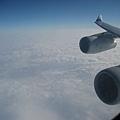 我很喜歡從飛機窗戶照出去,拍到機翼的感覺
