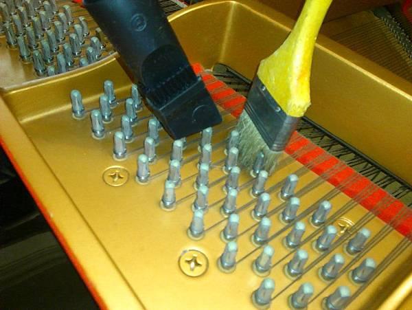 平台琴的響板清理