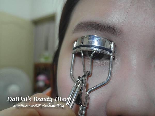 Maybelline 芭比大眼訂製雙刷頭睫毛膏