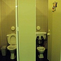 6/26  美術館...的廁所 (展覽不錯 我有看)