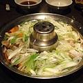 day 3 長崎 - 熊本 034 大吃大喝馬肉料理 涮涮鍋-1.JPG