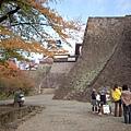 day4 熊本-湯布院- 07 接近熊本城中 by W.JPG