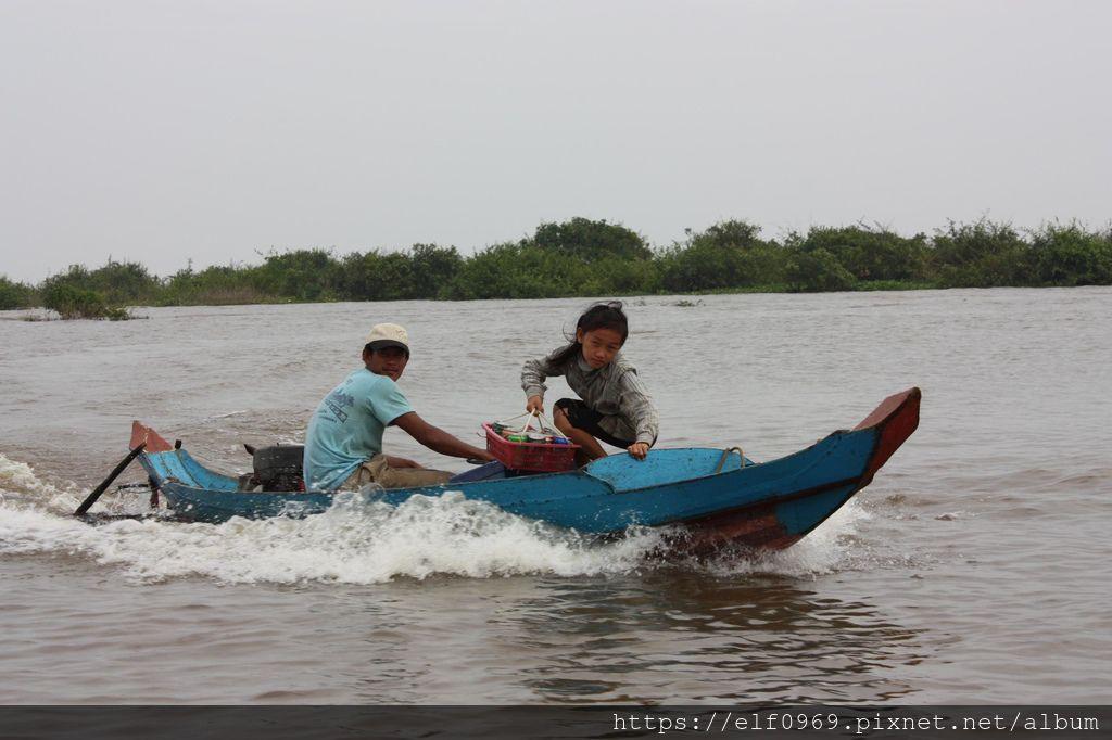55 柬埔寨洞里薩湖水上人家 2010.11.06(001).jpg