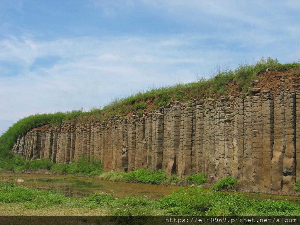 73 台灣澎湖玄武岩 2006.08.02.JPG