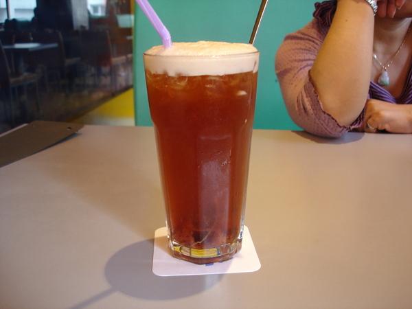 19草莓紅茶...裡面似乎是果醬