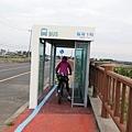 單車過公車亭