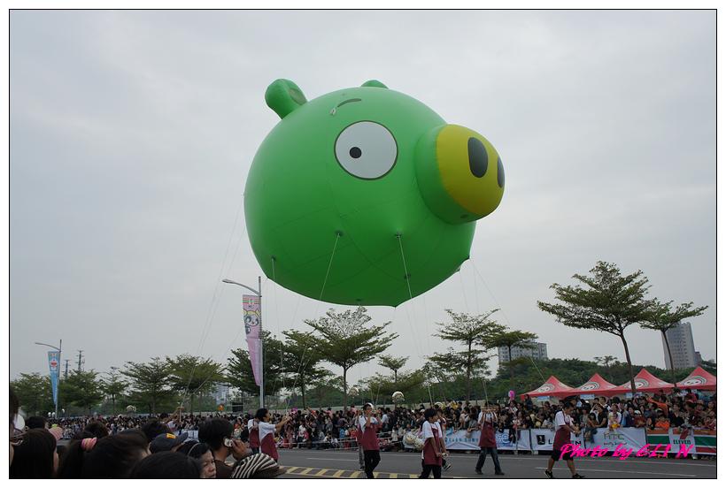 1001204-夢時代大氣球遊行-10.jpg