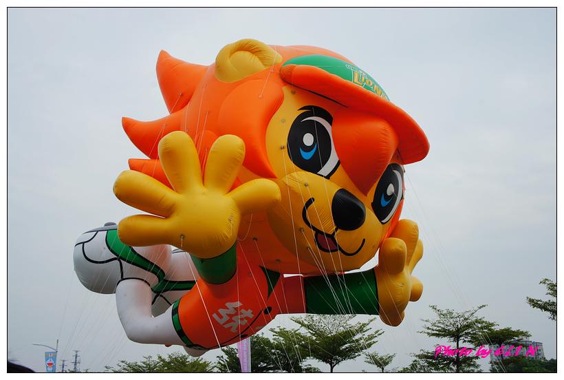 1001204-夢時代大氣球遊行-18.jpg