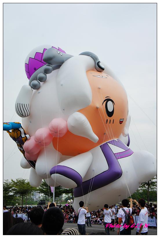 1001204-夢時代大氣球遊行-20.jpg