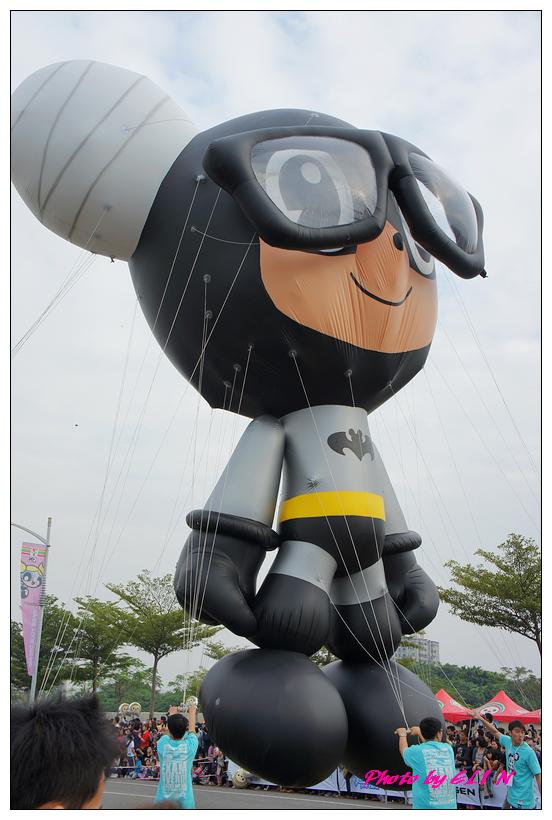 1001204-夢時代大氣球遊行-25.jpg