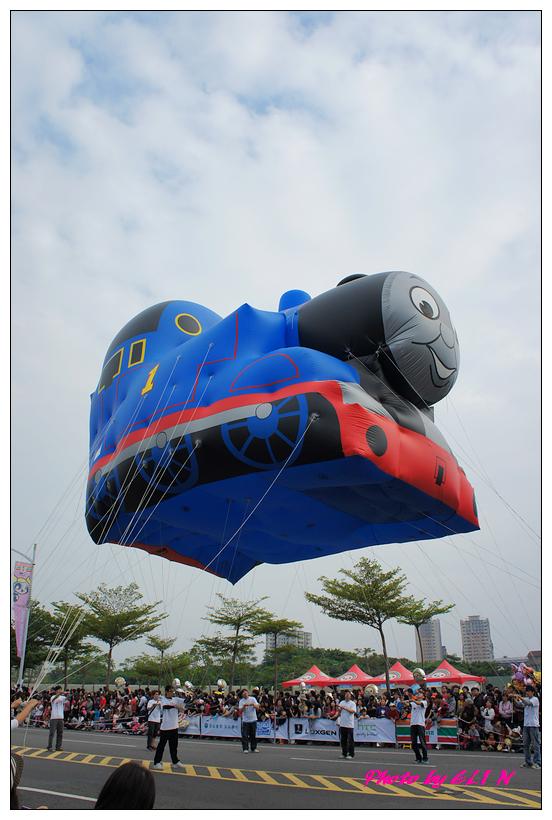 1001204-夢時代大氣球遊行-28.jpg