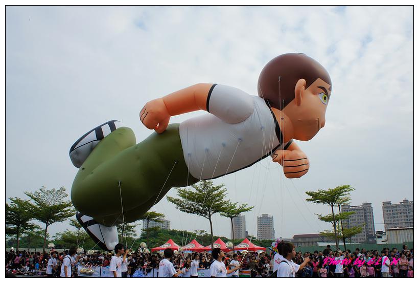 1001204-夢時代大氣球遊行-32.jpg