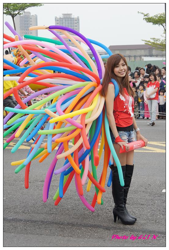 1001204-夢時代大氣球遊行-37.jpg