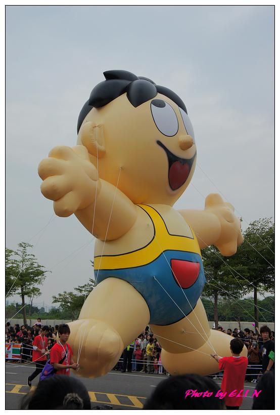 1001204-夢時代大氣球遊行-53.jpg