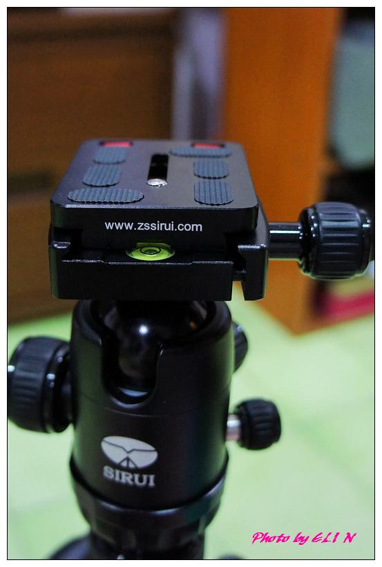 思銳SIRUI N2205專業碳纖維腳架+G20雲台-16.jpg