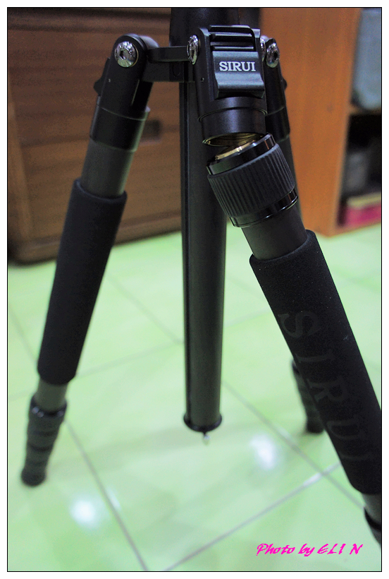 思銳SIRUI N2205專業碳纖維腳架+G20雲台-24.jpg