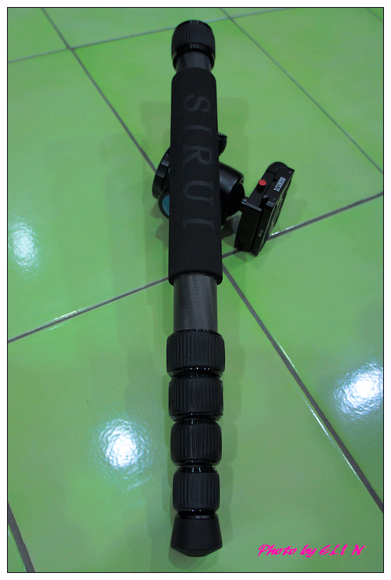 思銳SIRUI N2205專業碳纖維腳架+G20雲台-25.jpg