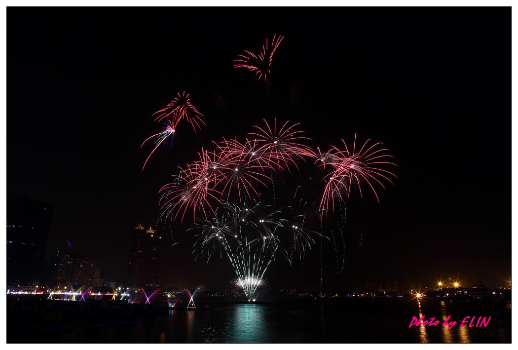 1010202-2012年高雄煙火藝術節-16.jpg