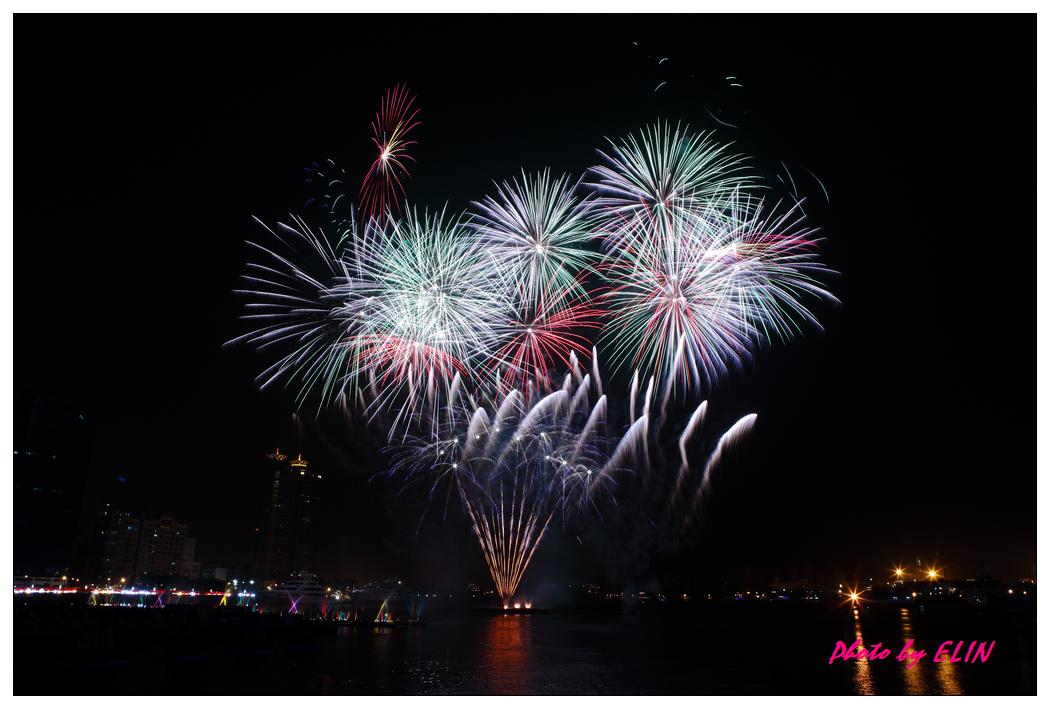 1010202-2012年高雄煙火藝術節-21.jpg