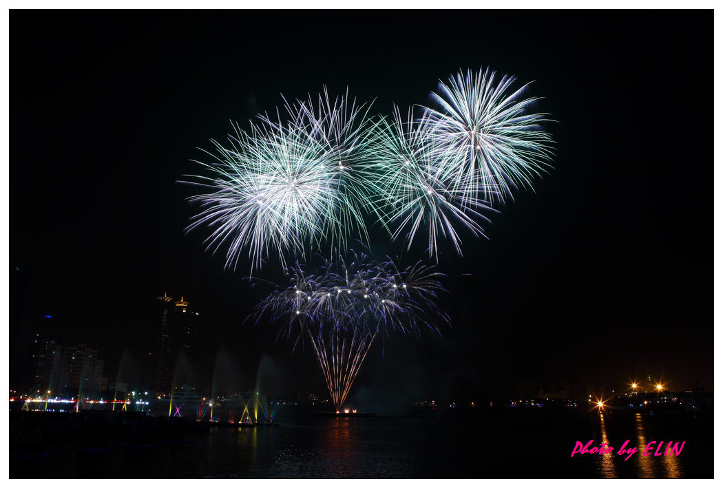 1010202-2012年高雄煙火藝術節-24.jpg