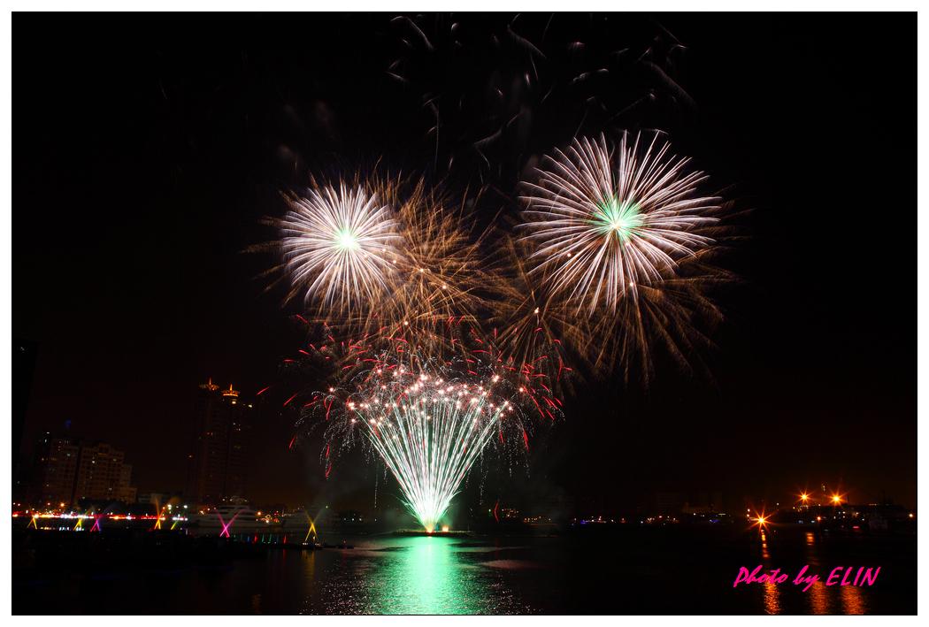 1010202-2012年高雄煙火藝術節-37.jpg