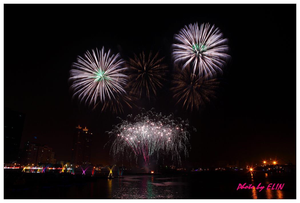 1010202-2012年高雄煙火藝術節-38.jpg