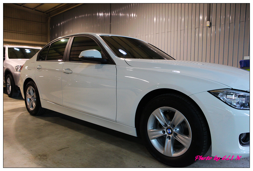 1011122-BMW 318d-9