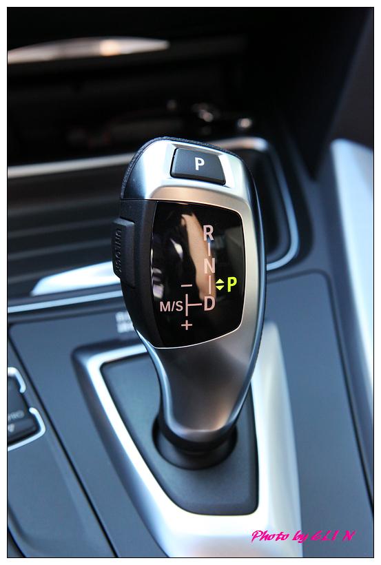 1011122-BMW 318d-10