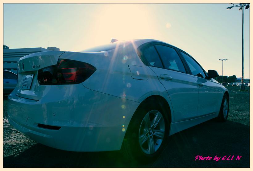 1011122-BMW 318d-22_副本