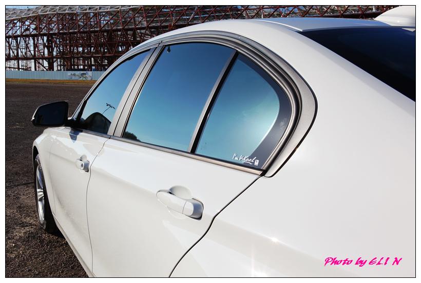 1011122-BMW 318d-23