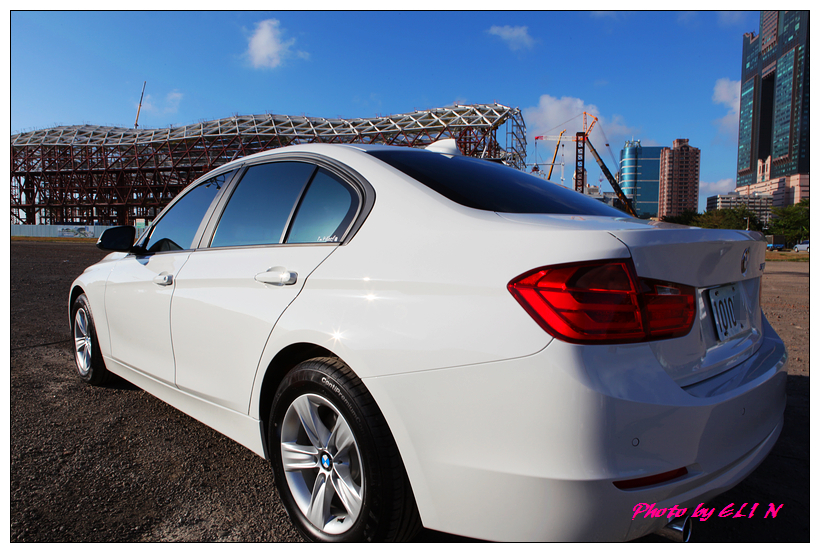 1011122-BMW 318d-24_副本