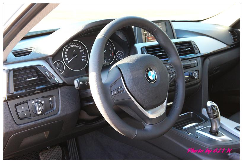 1011122-BMW 318d-30