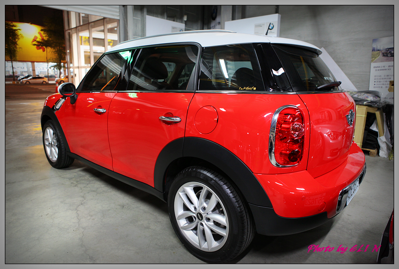 1020329-MINI Cooper Countryman-1