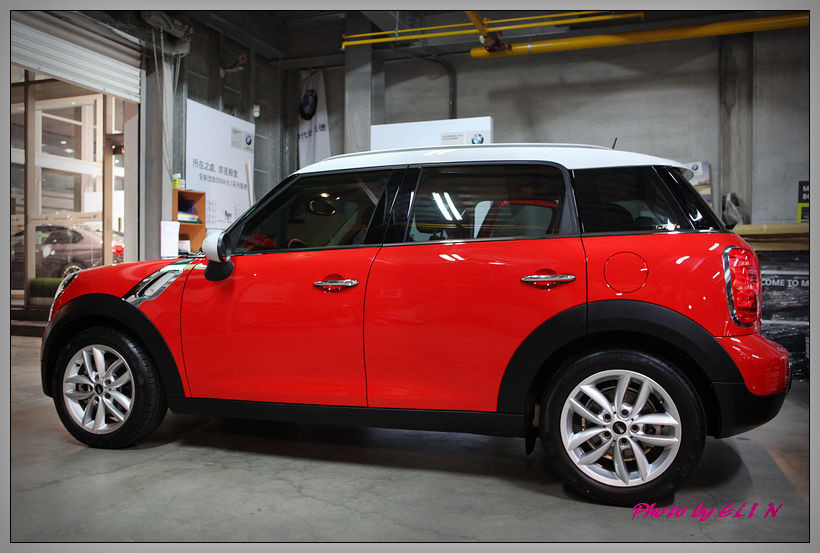 1020329-MINI Cooper Countryman-10
