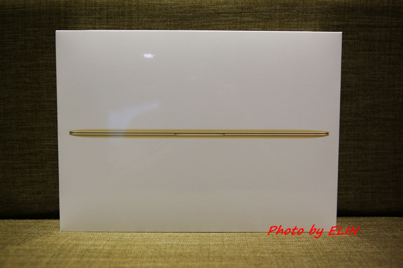 1050122-Apple MacBook-2.jpg