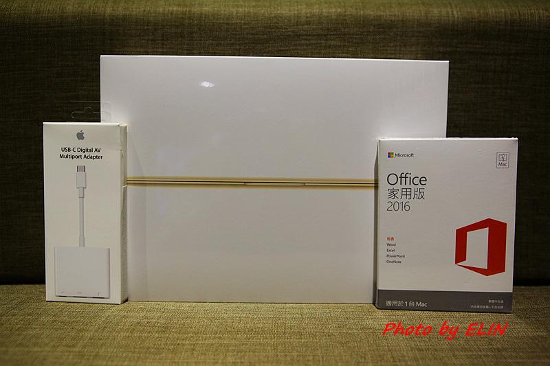 1050122-Apple MacBook-1.jpg