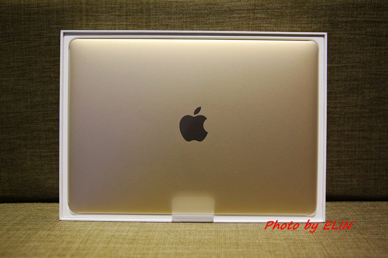 1050122-Apple MacBook-7.jpg