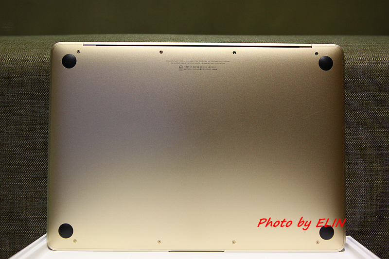 1050122-Apple MacBook-12.jpg