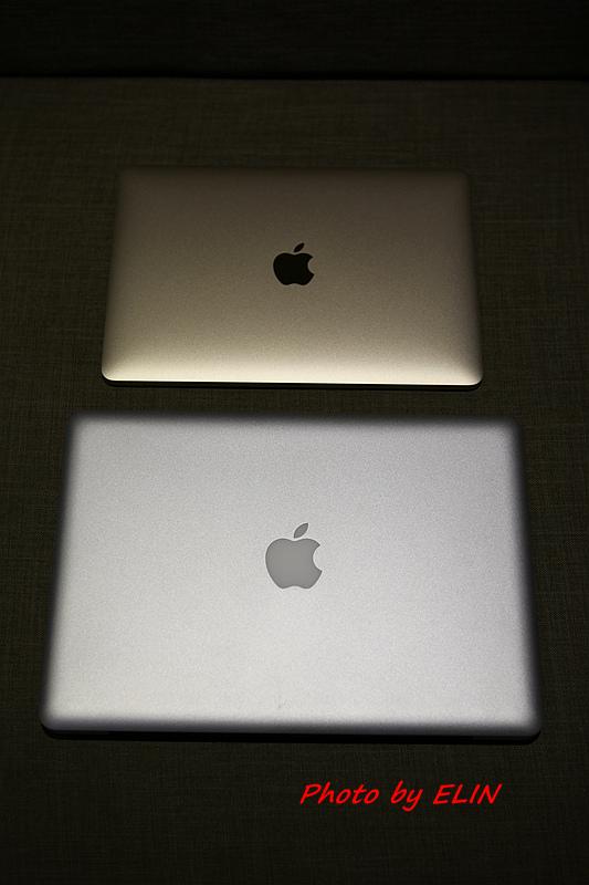 1050122-Apple MacBook-17.jpg