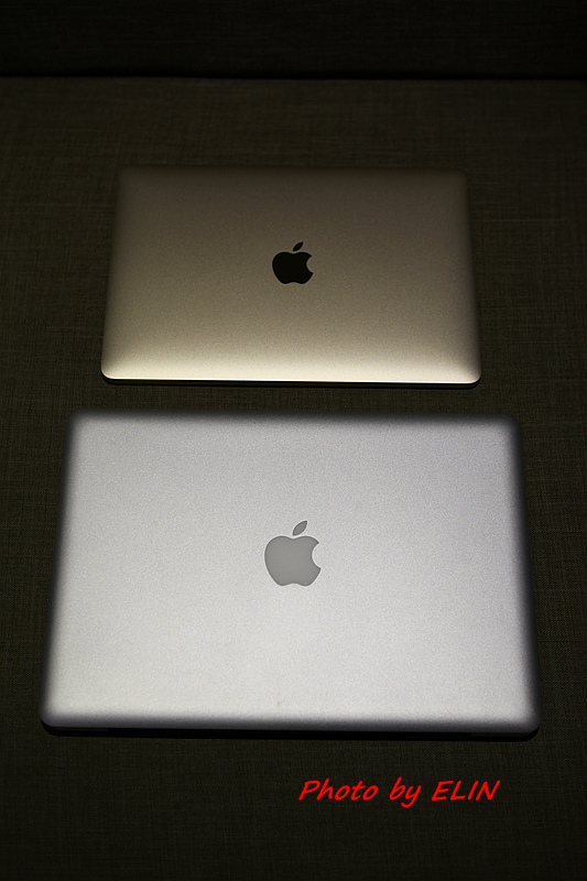 1050122-Apple MacBook-17.jpg