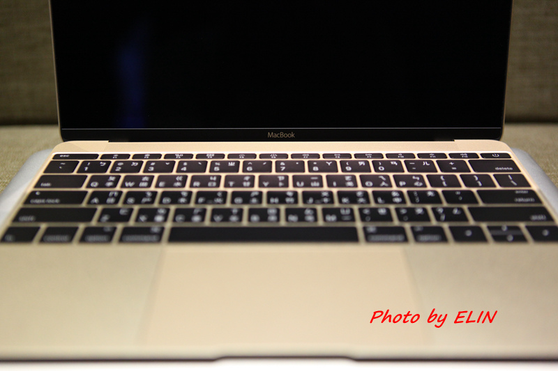 1050122-Apple MacBook-24.jpg